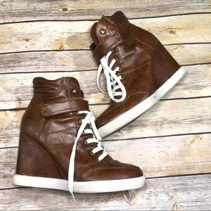 Steve Madden Lleve leather wedge sneakers